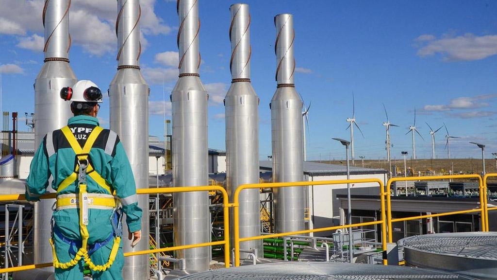 YPF Luz comenzó a operar su primer complejo híbrido en Manantiales Behr, Chubut