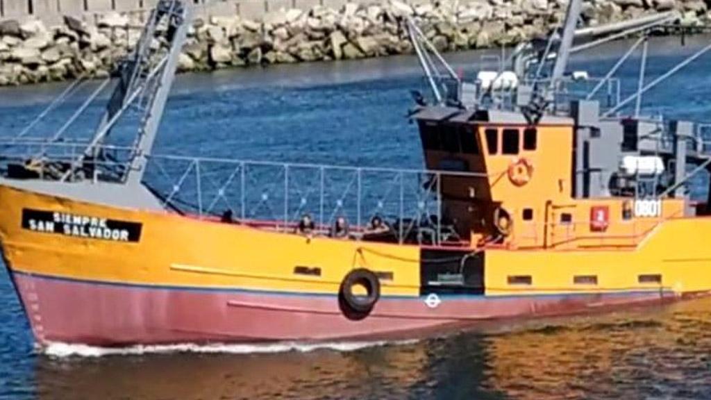 Se hundió un pesquero en Mar del Plata y sus ocho tripulantes fueron rescatados