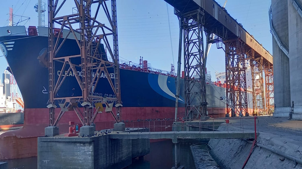 Puerto de Quequén exportó en agosto 51% más de granos que en igual mes de 2020