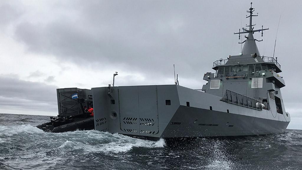 El nuevo patrullero oceánico ARA Piedrabuena efectuó maniobras operativas en el mar