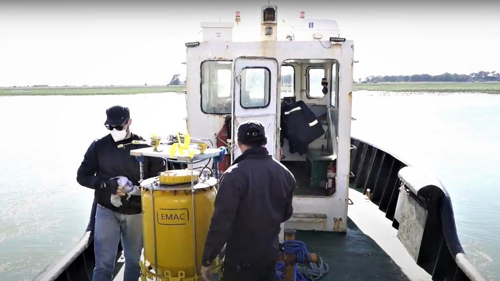 En video: el puerto de Bahía Blanca instaló una segunda boya de monitoreo ambiental