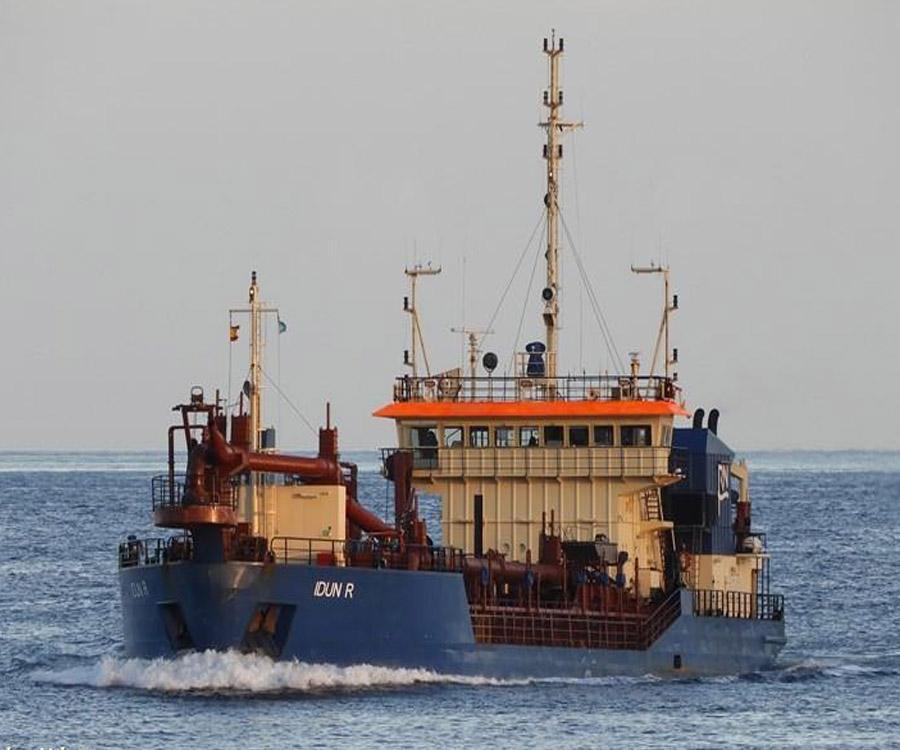 Ya navega rumbo a Mar del Plata la draga danesa que hará el mantenimiento