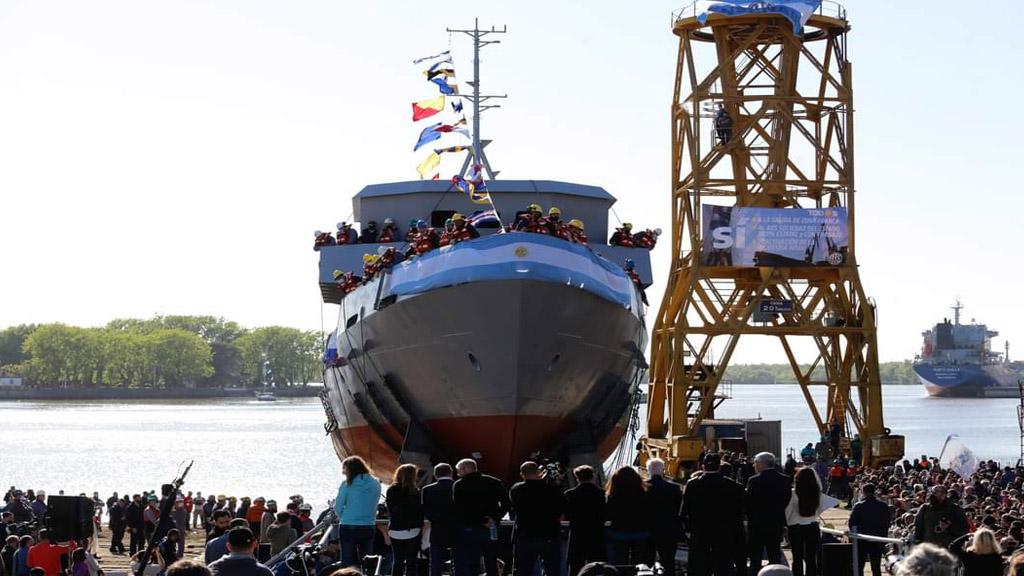Sigue la polémica por el estado del buque botado ayer en Río Santiago
