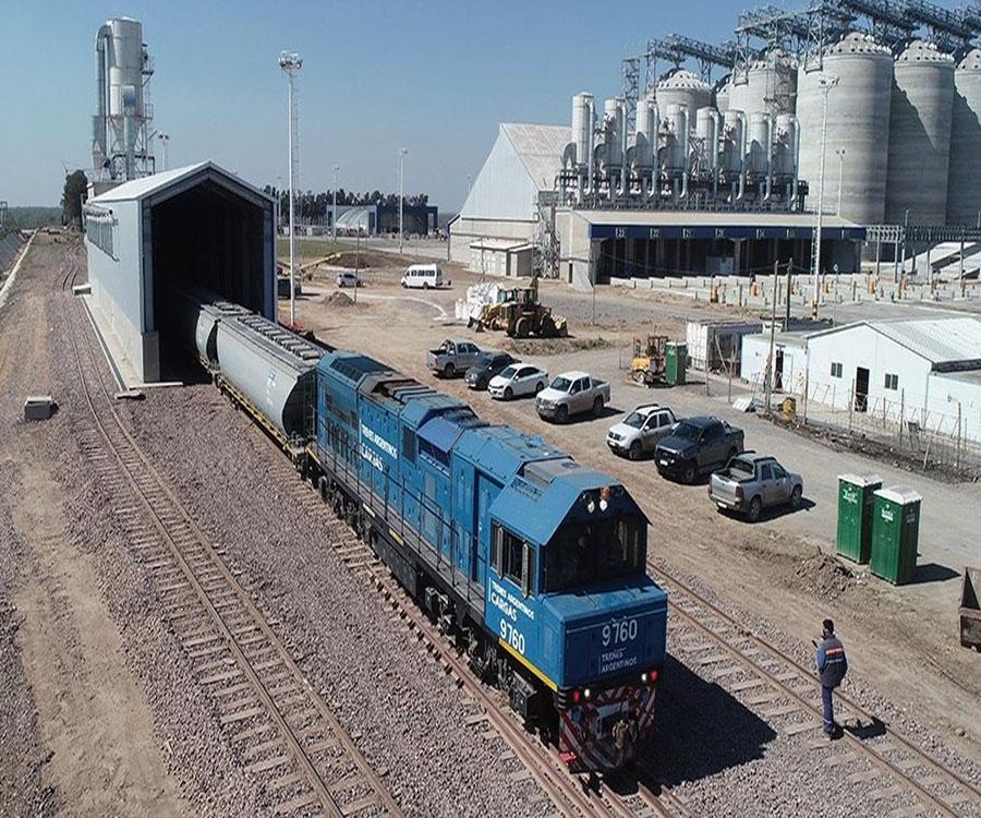 Cinco grandes beneficios de la llegada de los trenes de carga al puerto de Timbúes