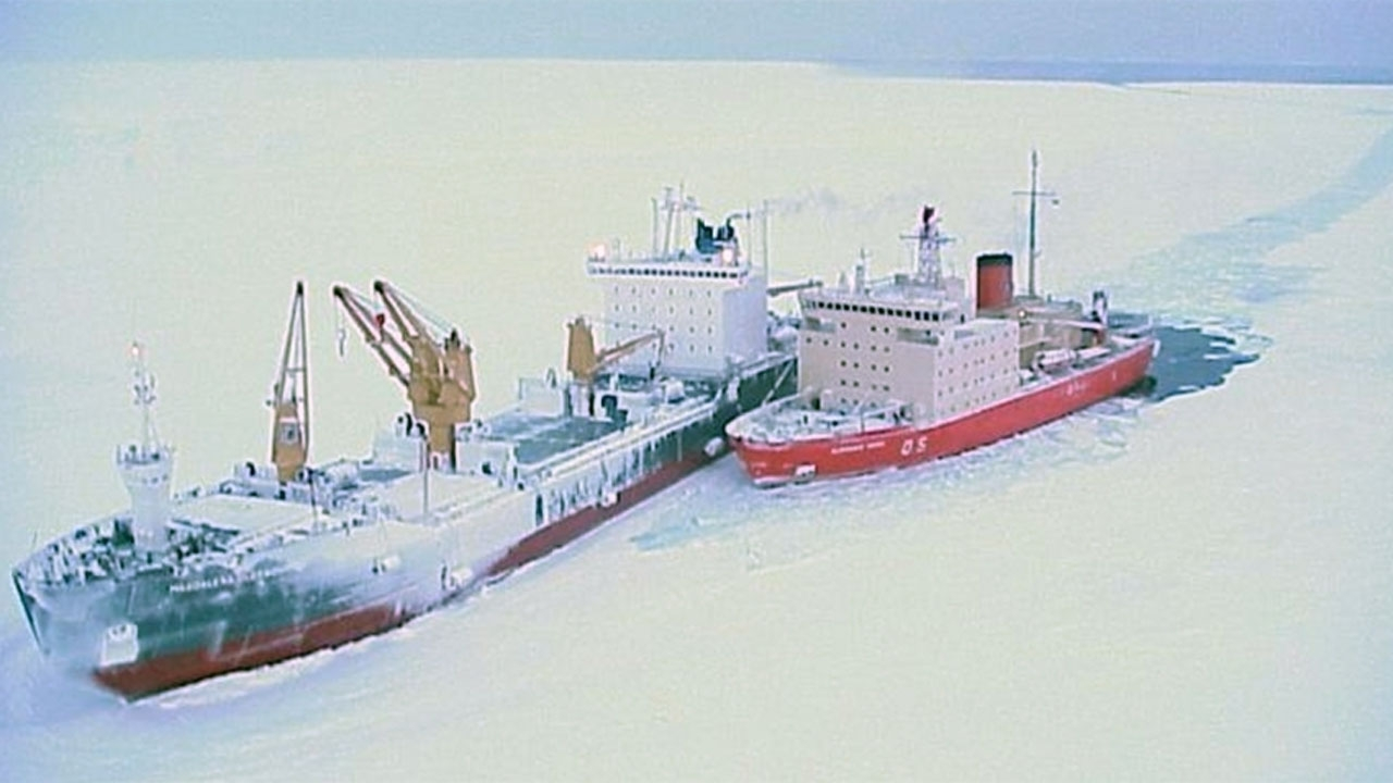 """Cuando el """"Irízar"""" salvó un buque científico alemán en pleno invierno antártico"""