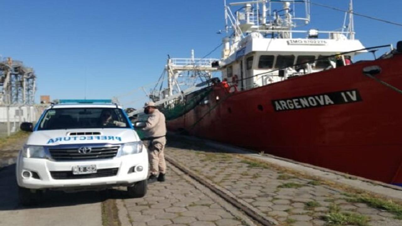 """Casos de coronavirus: el pesquero """"Argenova IV"""" dejó el puerto de Bahía Blanca"""