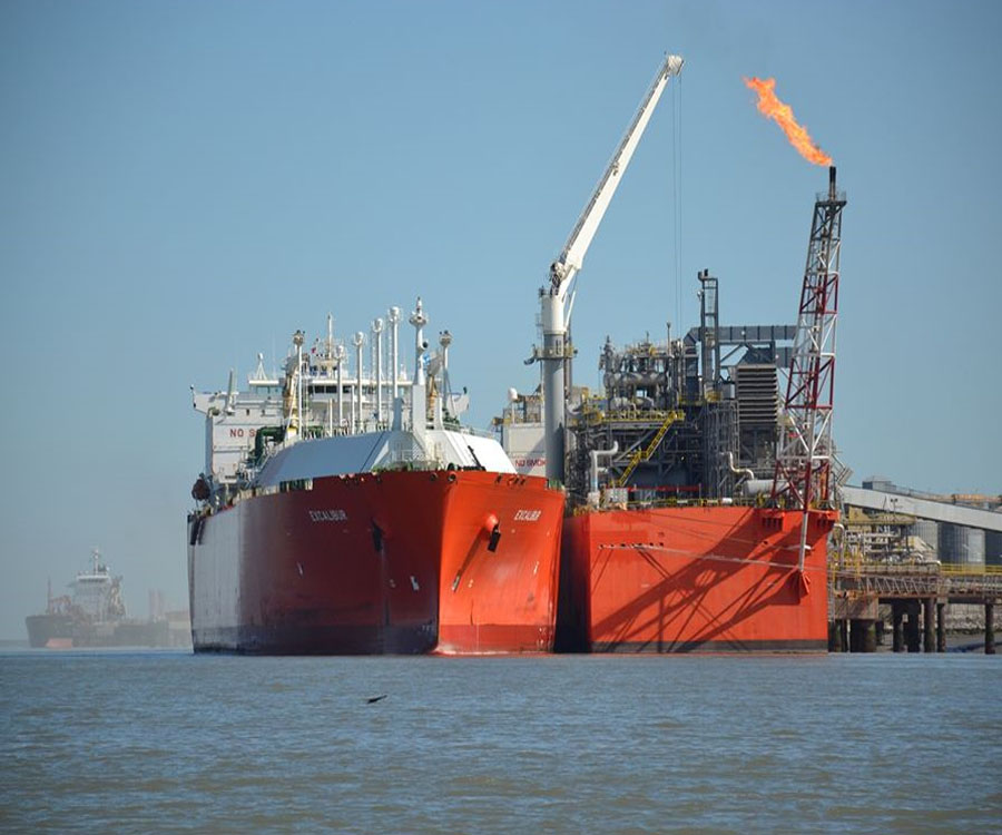 """""""Decir que la barcaza fue una foto de campaña demuestra no conocer el mercado energético"""""""
