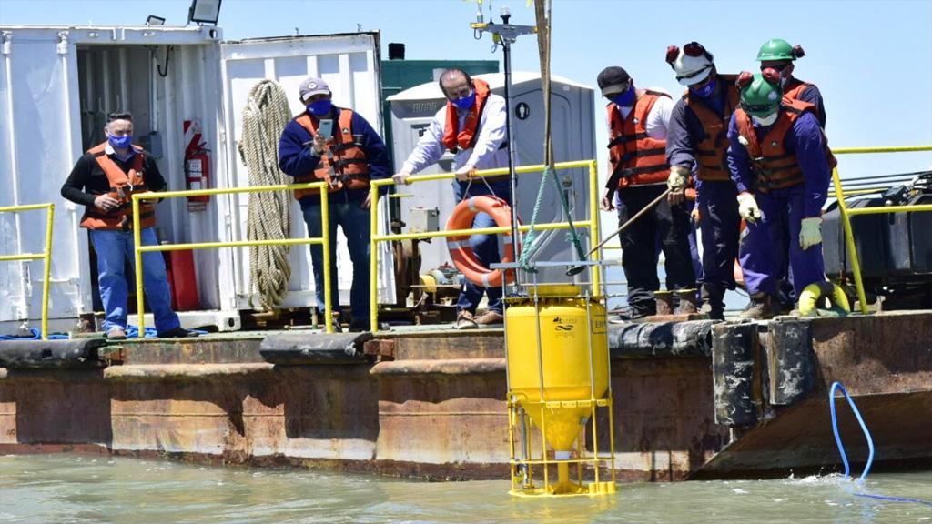 El puerto de Bahía Blanca instaló una boya de monitoreo ambiental en aguas del estuario