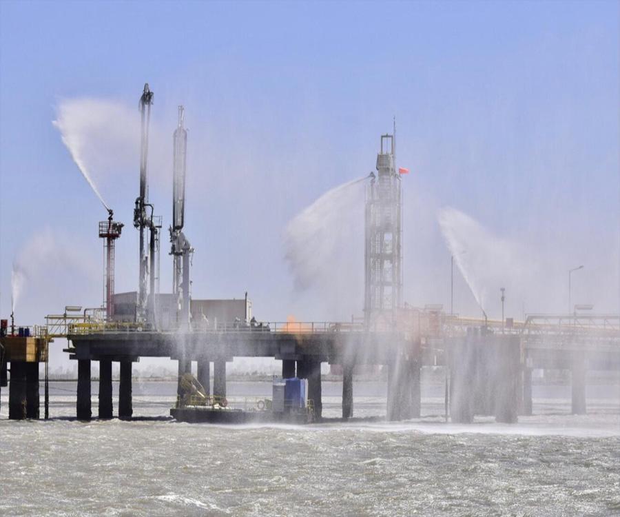 Simulacro de incendio, salvataje y derrame en el puerto de Bahía Blanca