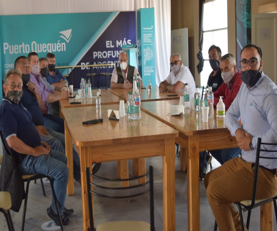Alvaro se reunió con los gremios portuarios para ampliar el potencial productivo de Quequén