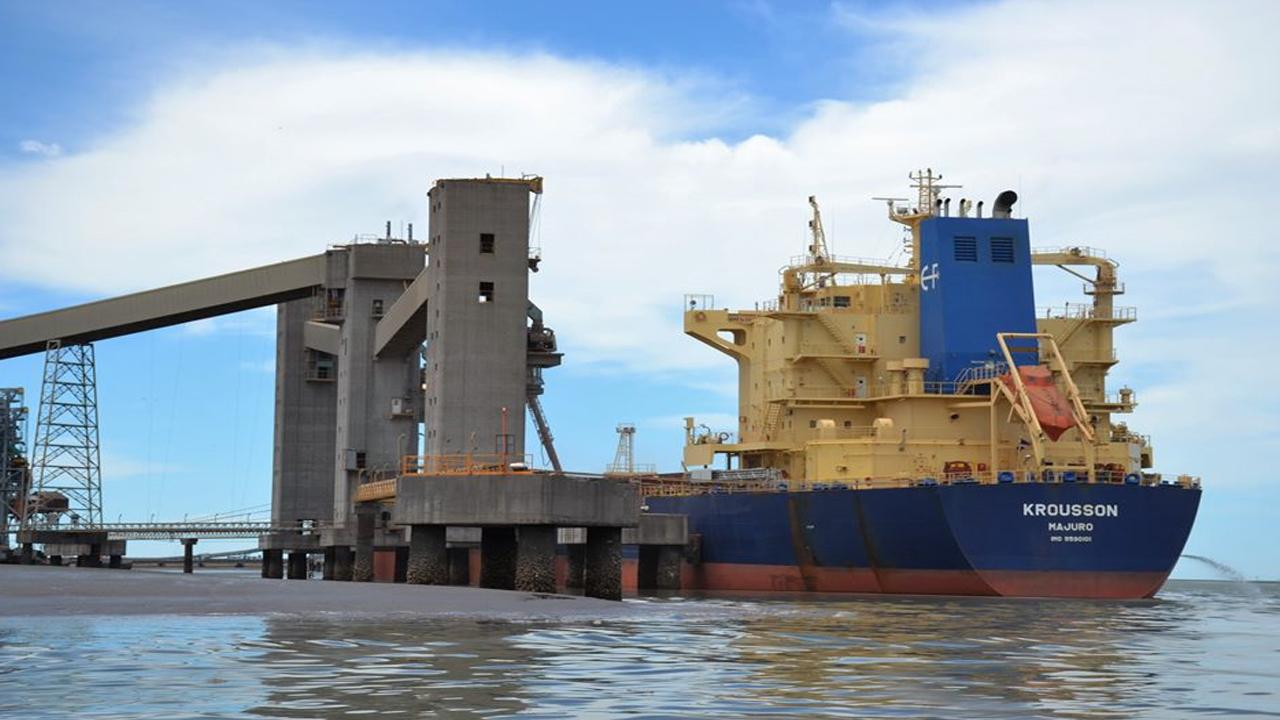 El Centro de Navegación advirtió sobre las duras consecuencias del paro en los puertos