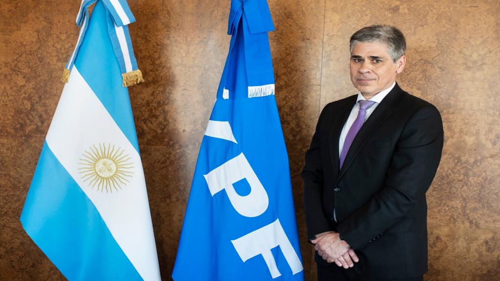 Pablo González asumió formalmente como nuevo presidente de YPF