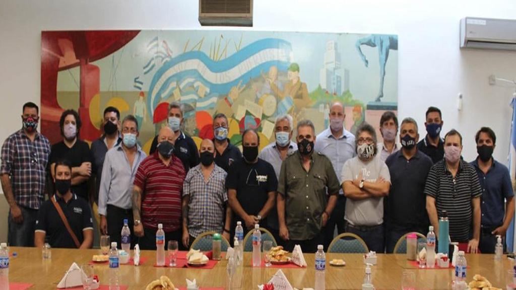 Arman una confederación sindical portuario - aceitera en el complejo agroexportador