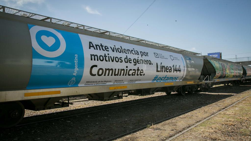 Incorporarán por primera vez a mujeres en las áreas operativas de trenes de carga