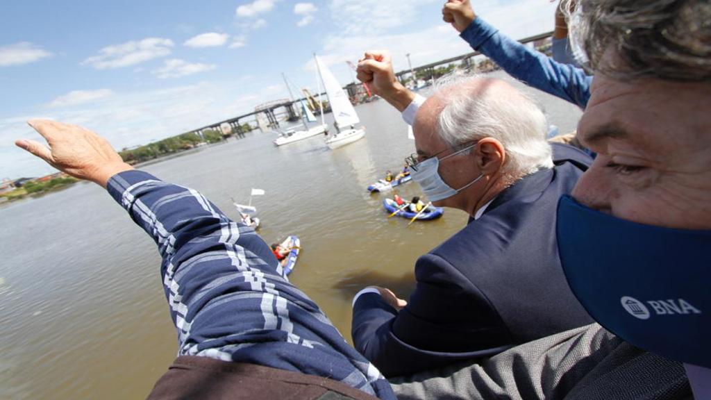 Jorge Taiana insistió en la necesidad de unir al país mediante el canal Magdalena