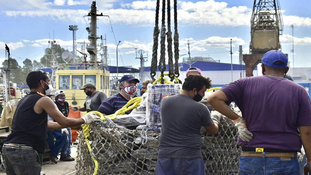 Puerto Frío y Bahía Blanca siguen sumando descargas de pescado