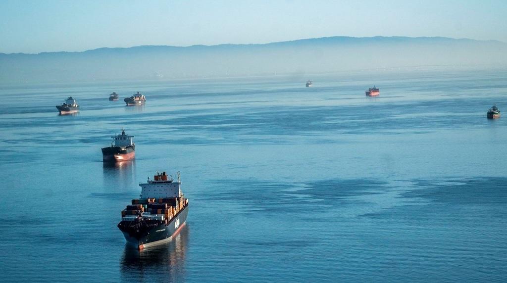 """""""El Covid tiene 200 mil marineros mercantes atrapados en el mar"""", dice The Washington Post"""