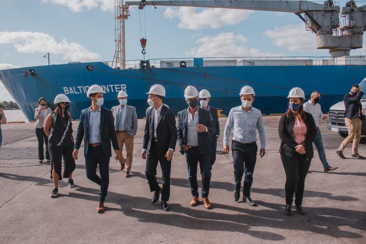 """Meoni: """"queremos el desarrollo de los puertos públicos bonaerenses y el de los privados"""""""