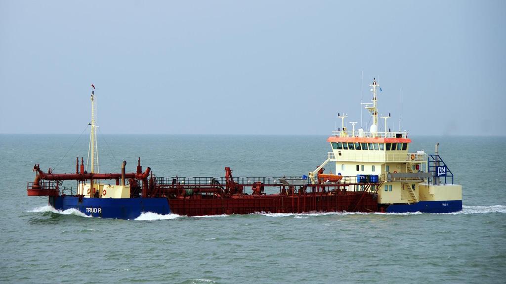 Declaran admisible la oferta de una empresa danesa para dragar el puerto de Mar del Plata