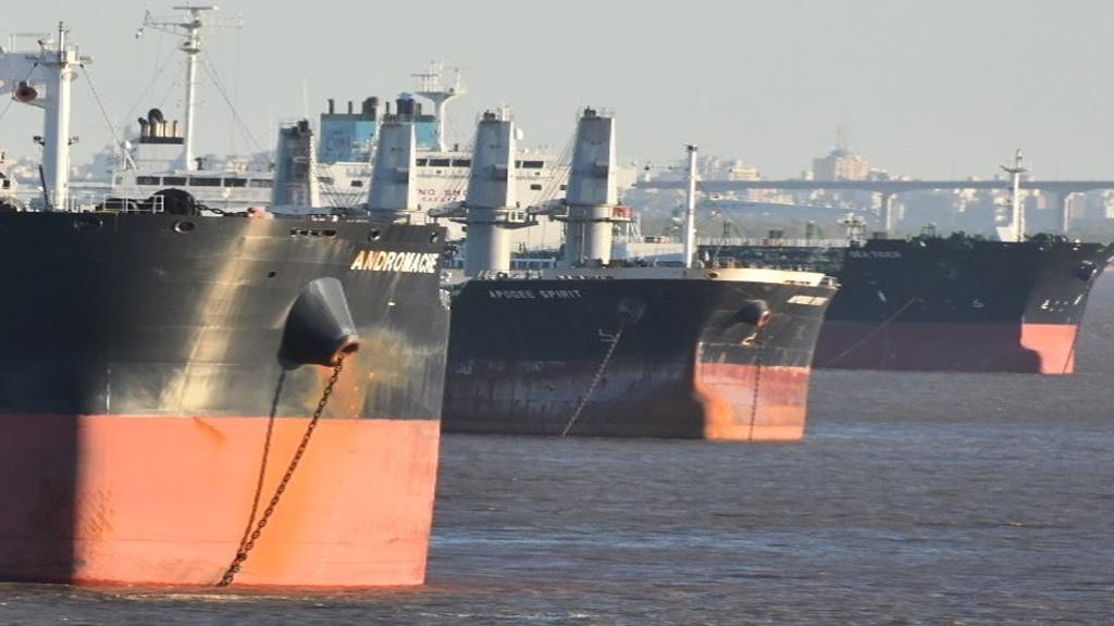 Aseguran que este año los barcos saldrán del Paraná con un calado máximo de 30/31 pies